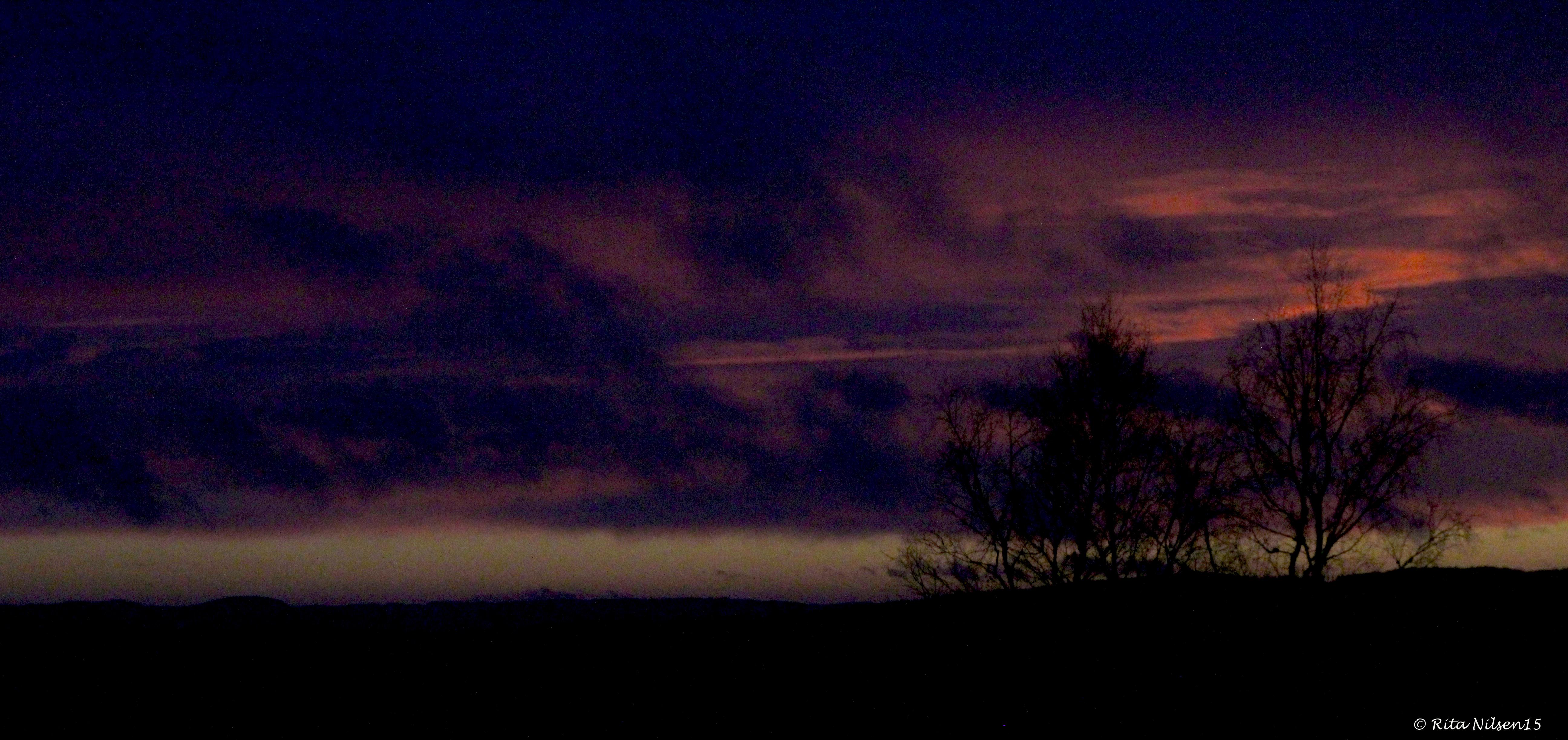 foto: Rita Nilsen Solnedgang i tåke